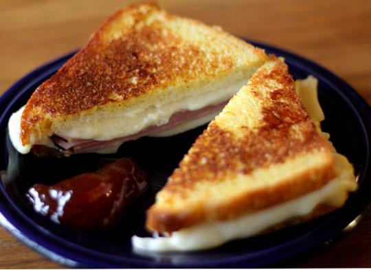 Monte Cristo Sandwich - Hilah Cooking