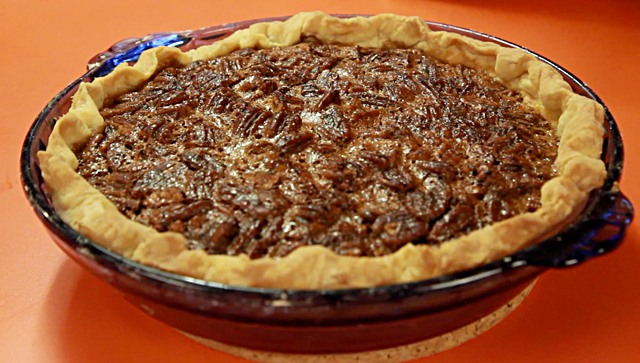 Bourbon pecan pie recipe hilah cooking bourbon pecan pie recipe forumfinder Choice Image