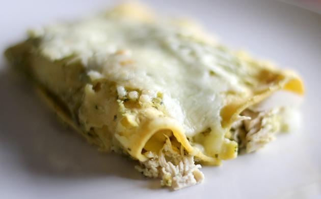 How to make chicken enchiladas verdes
