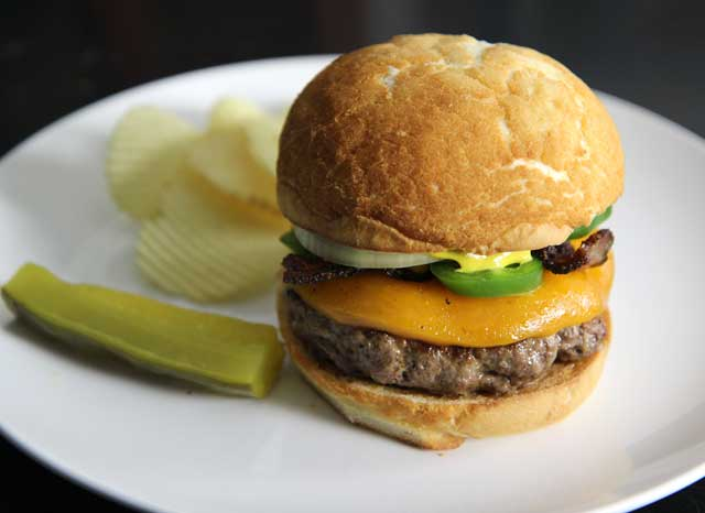 jalapeno-bacon-cheeseburger