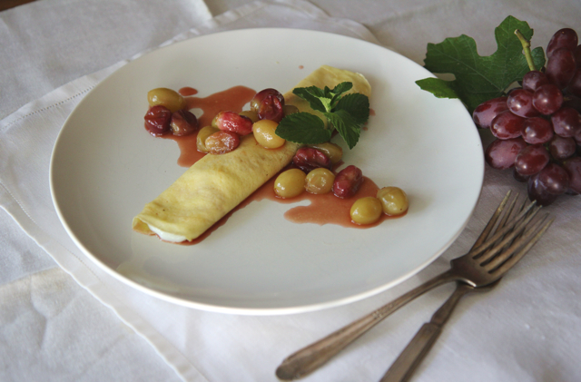 crepes with grapes