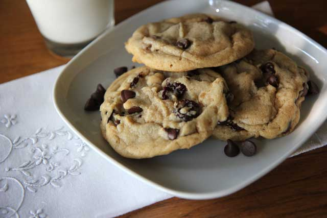 Cherry Chocolate Chip Cookies - Hilah Cooking