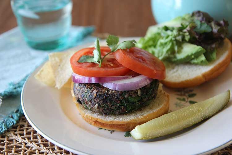 black-bean-quinoa-burgers