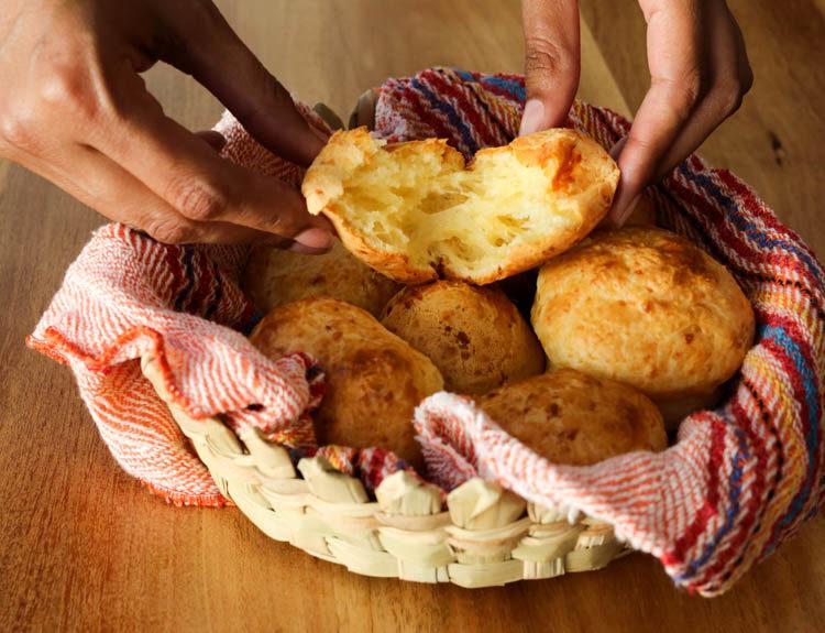 pao de queijo