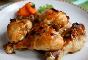 Honey habanero baked chicken drumsticks! Honey, lime, garlic and habanero marinade for easy baked drumsticks